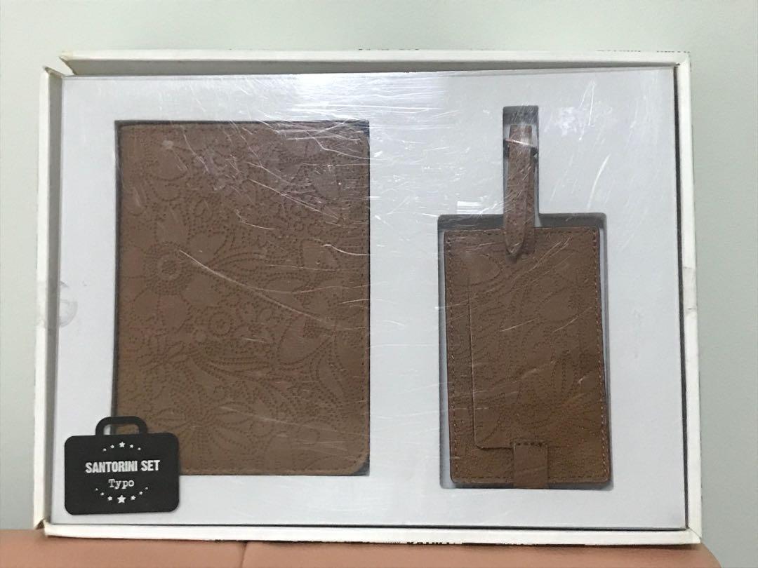 Typo passport holder and luggage tag set