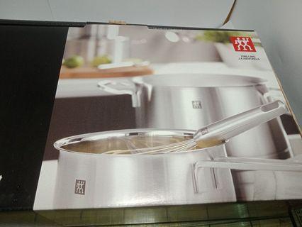 。全新盒裝現貨。德國雙人牌 zwilling moment 單柄鍋 16公分 (不鏽鋼 湯鍋 燉鍋)