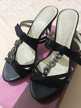 阿瘦蝴蝶結緞帶涼鞋