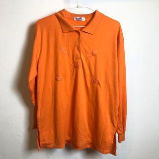 橘色POLO衫