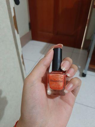 橘色指甲油