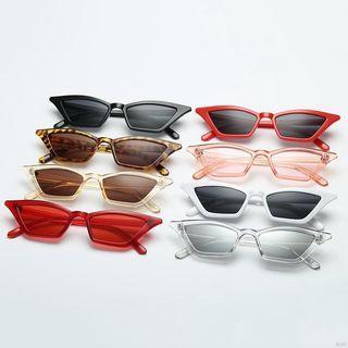 🆕🆒 Women Sun Glasses Black Eyewear Retro Cat Eye Small Frame