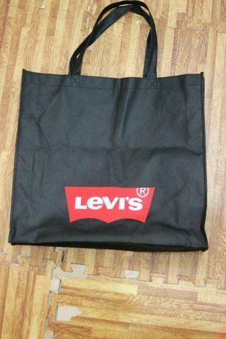 Levi's Sling Bag