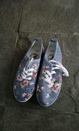 Sepatu bunga2