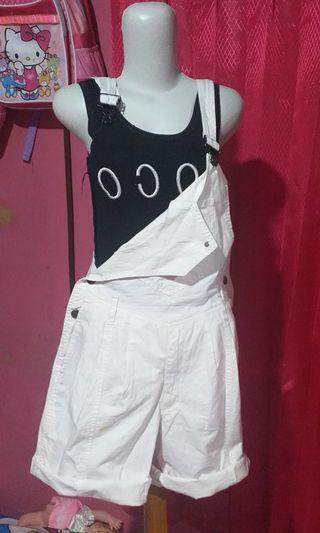 Overall white jumpsuit