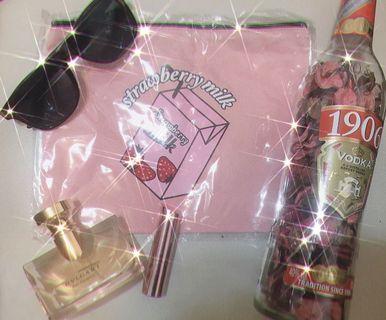 草莓牛奶化妝包