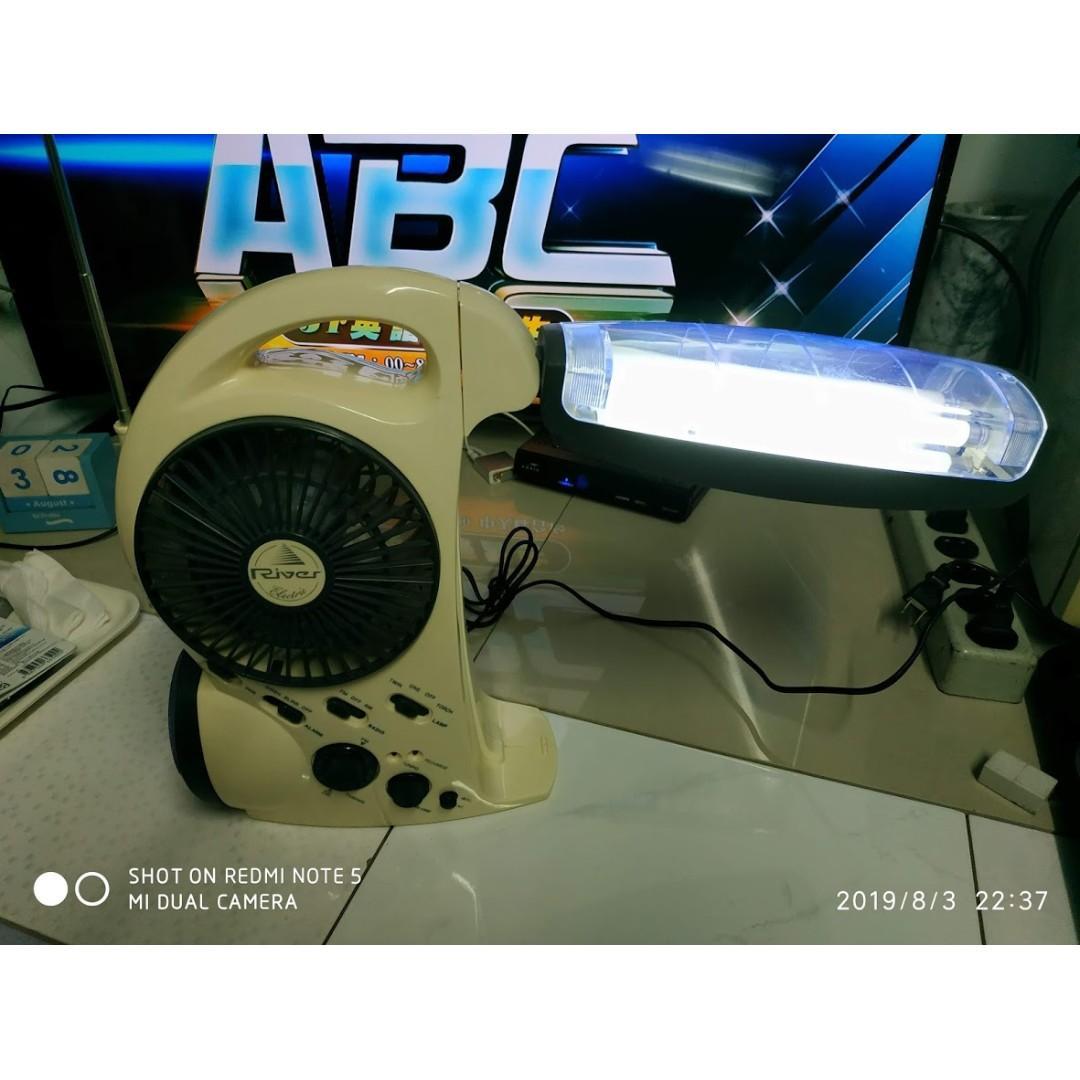 多功能桌扇 收音機 燈座 一機多用途