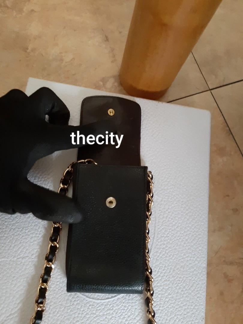 AUTHENTIC CHANEL BLACK CAVIAR LEATHER  CC LOGO VANITY POUCH- HOLOGRAM STICKER INTACT - CLEAN INTERIOR,  OVERALL VERY GOOD - GOLD HARDWARE - COMES WITH EXTRA HOOKS AND LONG CHAIN STRAP FOR CROSSBODY SLING