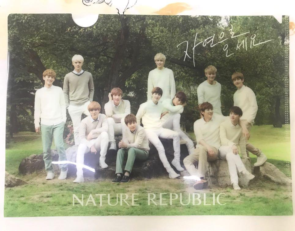 EXO original 12 Nature Republic plastic folder and mini standee