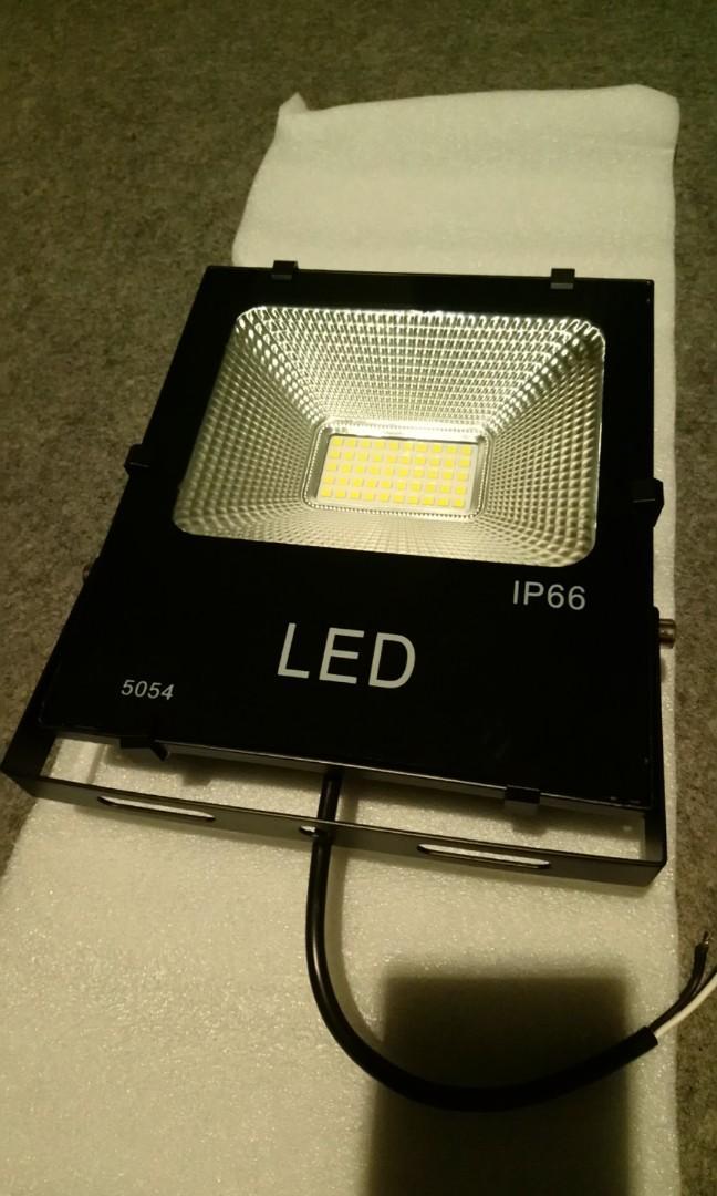 IP66 50W LED 戶外照明燈 投射燈 自然光/暖白5000k左右 180度