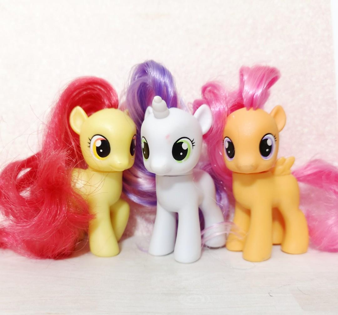 My Little Pony Cutie Mark Crusaders G4 Set Of 3 Apple Blossom Scootaloo And Sweetie Belle Toys Games Bricks Figurines On Carousell Her toy debut came in 2005 as one of the scootin' along ponies. my little pony cutie mark crusaders g4 set of 3 apple blossom scootaloo and sweetie belle