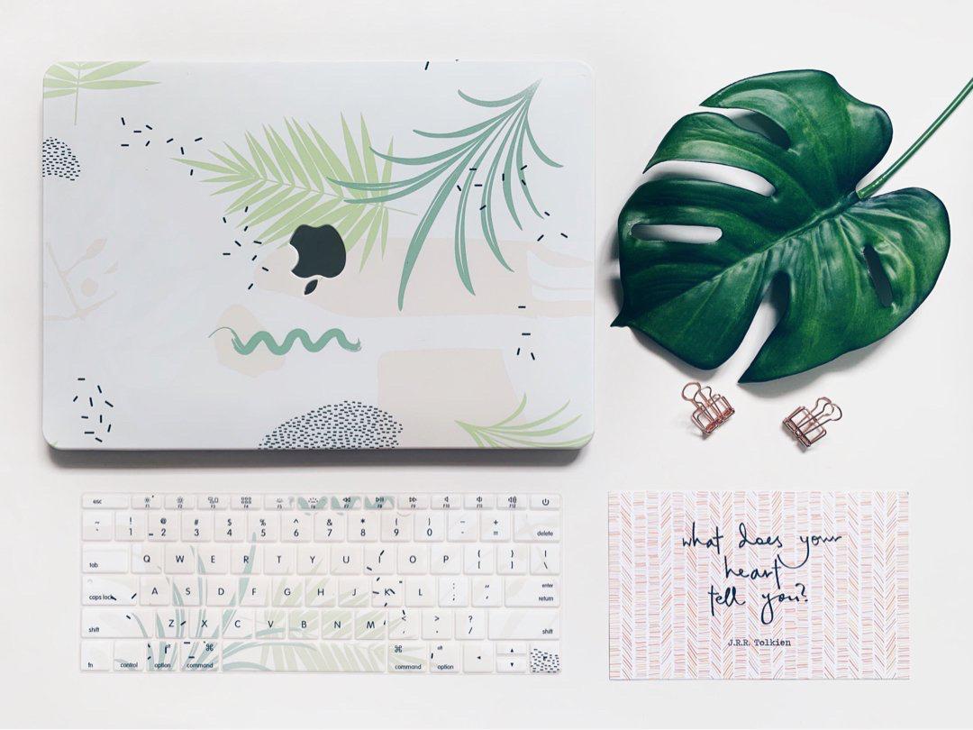 Resort Leaves MacBook Pro/Retina/Air Case + Matching Keyboard Cover
