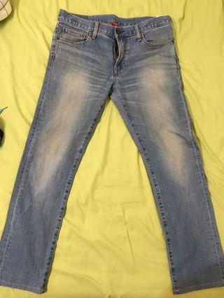 Uniqlo牛仔褲slim fit straight