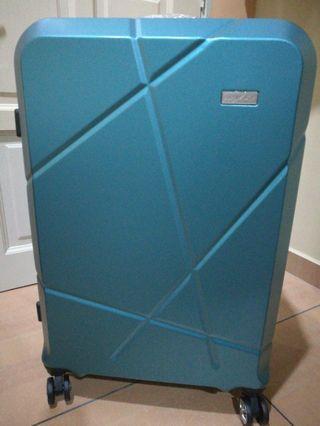"Luggage 28"" Barry smith"