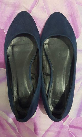 Navy shoes _ VnC