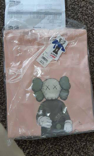 BNWT Uniqlo Kaws t shirt tee companion figure