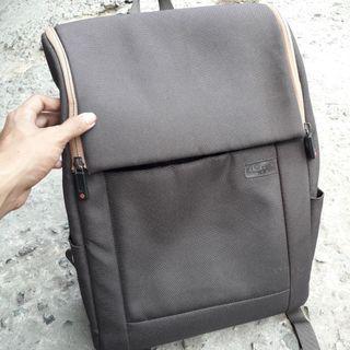Samsonite red backpack slot laptop