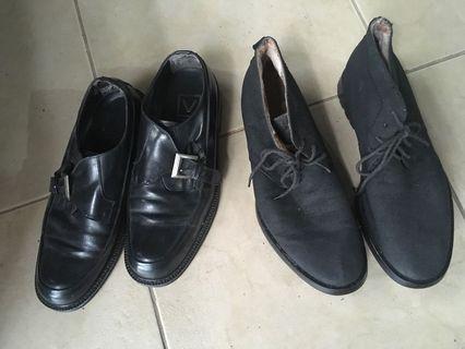 2 black shoes