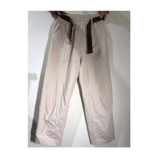 百搭白色九分長褲有附造型腰帶
