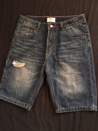 Navy 破壞重洗牛仔五分褲