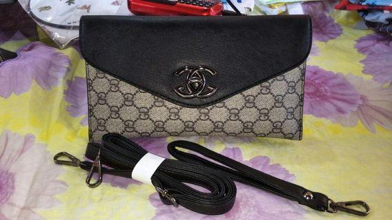 Lady sling bag