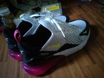 NIKE新款運動鞋