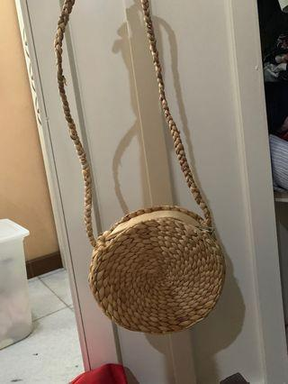 Rattan bag round