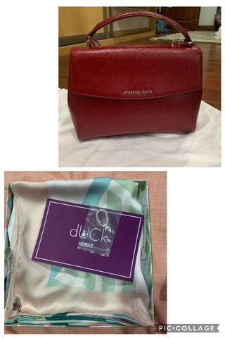 COMBO PRICE ONLY! MK Ava Small Bag and Geometric dUCk in Pink Feather