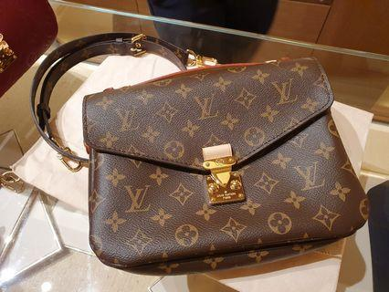 Brand New Louis Vuitton Pochette Metis