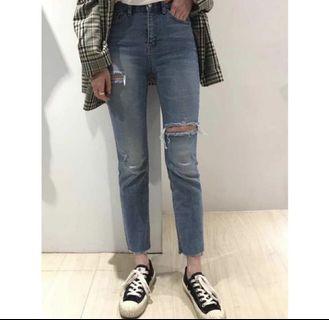 【現貨】正韓Vova高腰牛仔褲 褲管微微喇叭褲造型 降價囉