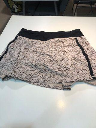 Lululemon tall skirt size 6