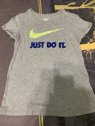 Nike Just do it 大Logo灰色T+Nike Air 深藍色T