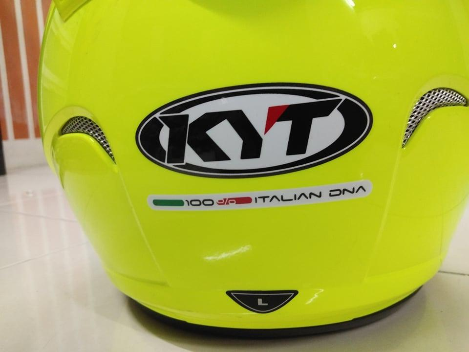 Helmet KYT Fluorescent single visor