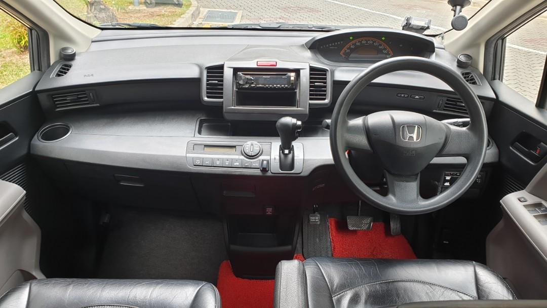 Honda Freed $380/weeks 8-seater Grab/Go-Jek Rental Rebate.