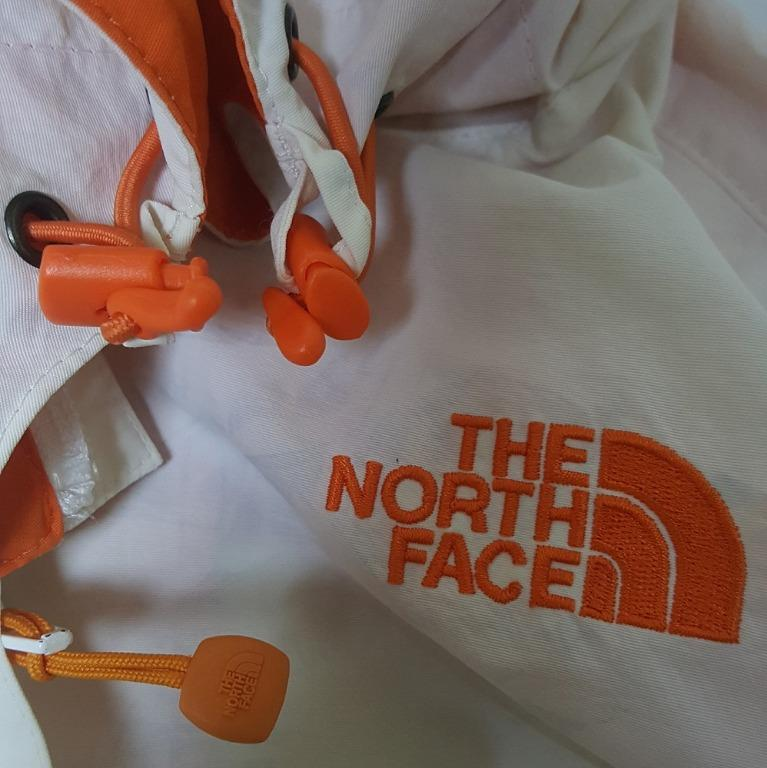 Jaket Outdoor Gunung The North Face - Women Series
