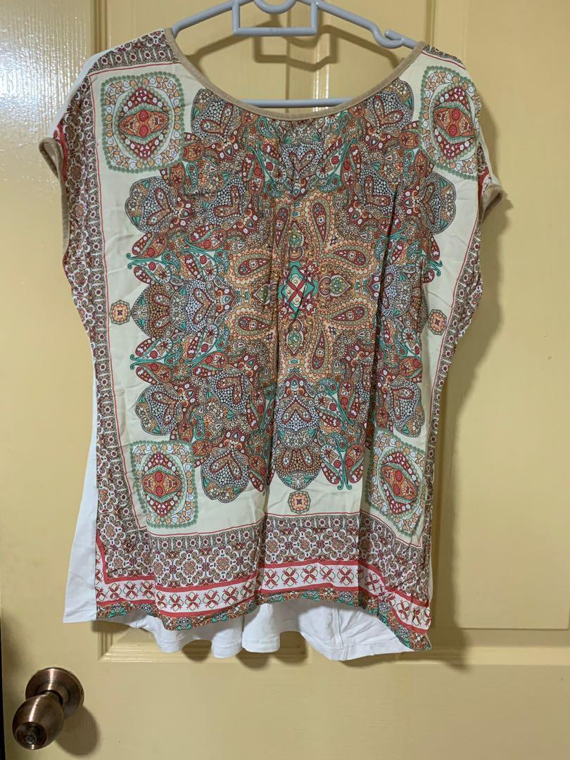 Patterned flowy TOP by Promod