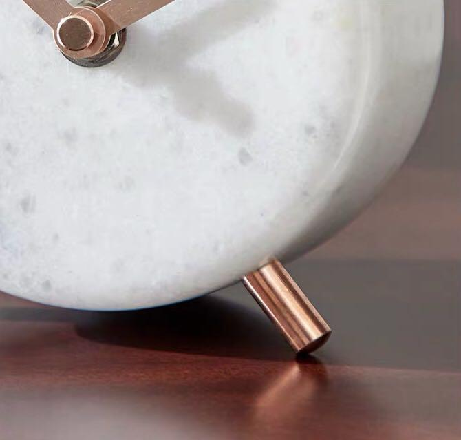 [preorder] round marble and gold table clock