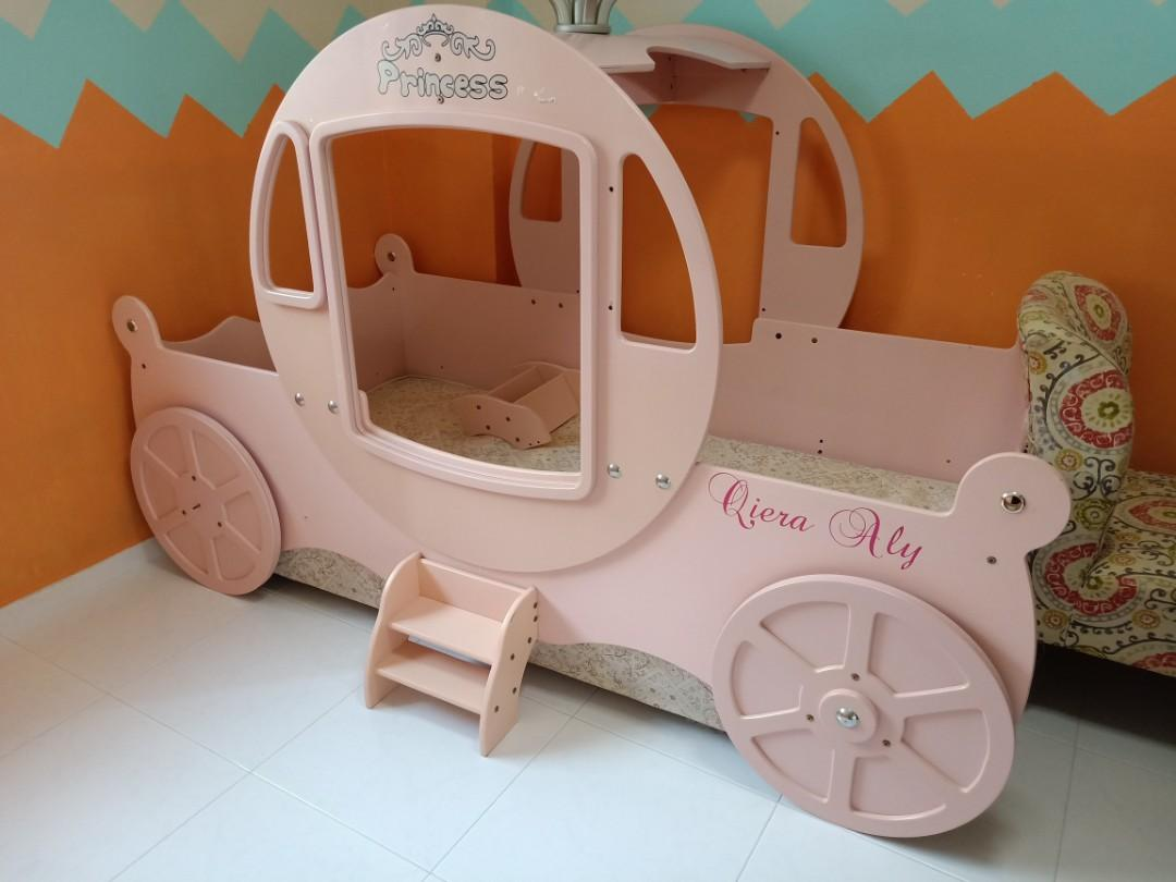 Picture of: Princess Carriage Bed For Little Girls Furniture Beds Mattresses On Carousell