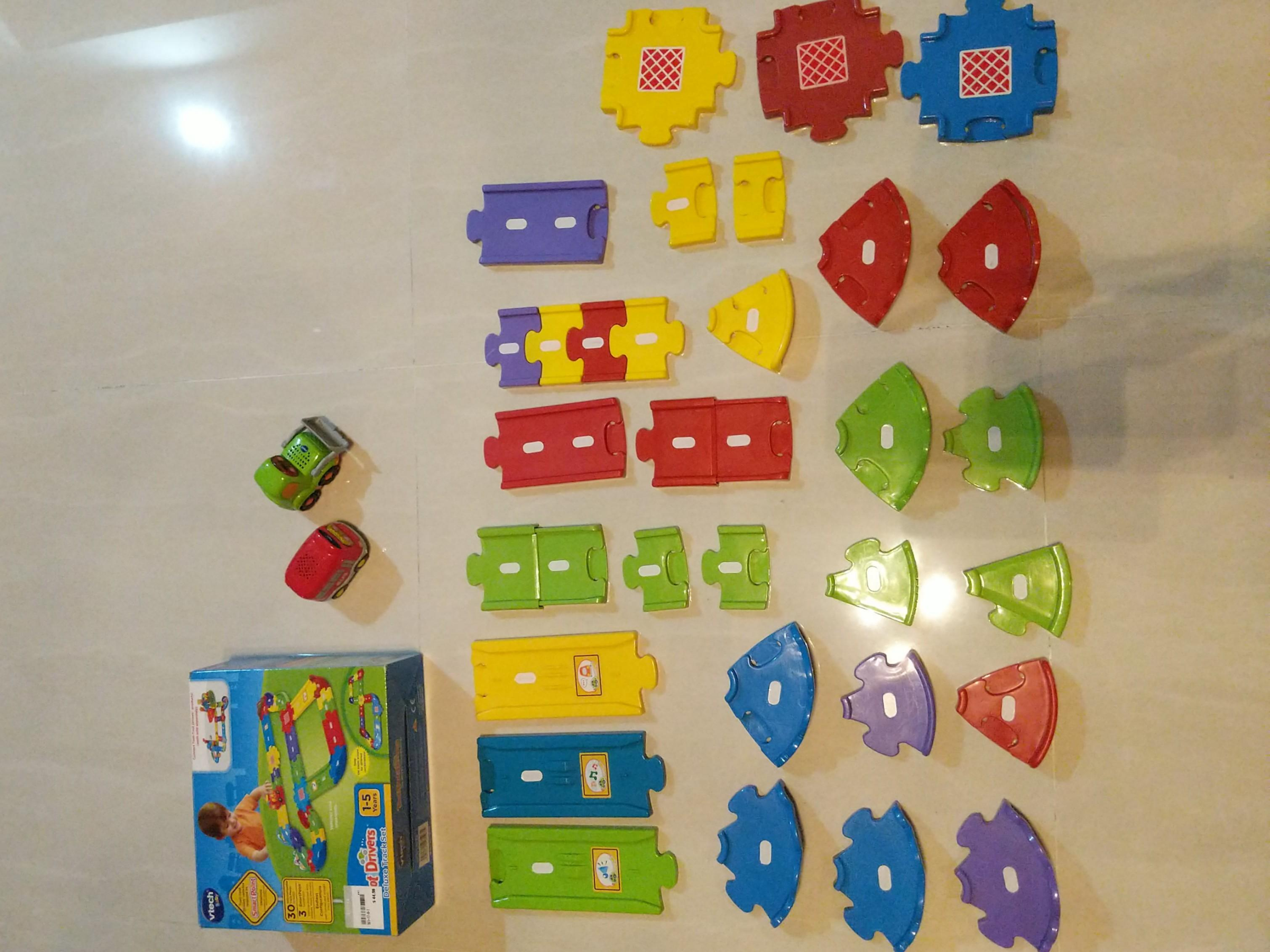 Toot Toot Drivers Deluxe Track Set + 2 Vehicles