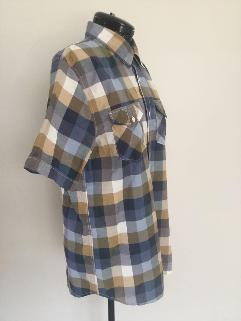 Vans men's M shirt button Front Short Sleeve very good cond