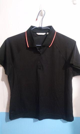黑色polo衫
