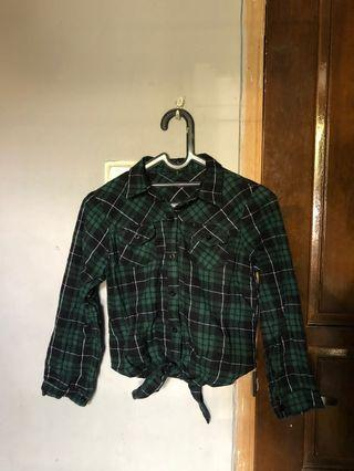 Cropped Knot Flannel