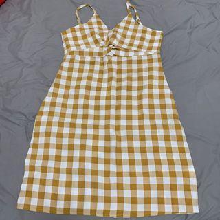 全新 黃格連身裙