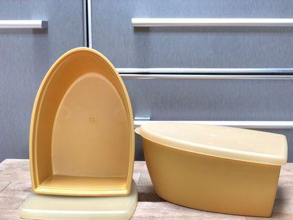 Toples wadah tupperware impor. Gold. RARE ITEM. 90rb/2pcs