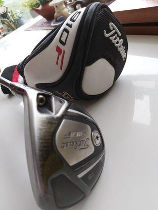 Golf Titleist 910F 15 degree wood $75