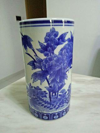 Blue white / Fine Porcelain Vase / Holder