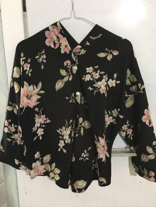 Blouse flower size S