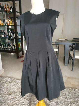 Dress miss Selfridge L kecil