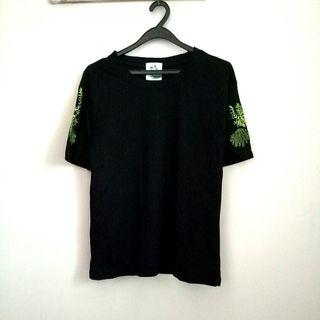 floral embroidered sleeve tee in black embroidery