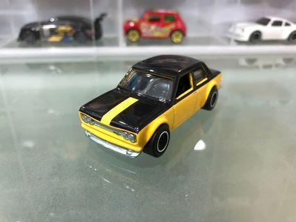Hotwheels datsun bluebird 510 (exlusive display case)